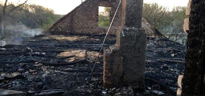 Огонь уничтожил крышу дома на Павлоградщине