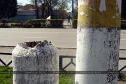 Павлоградцам угрожают аварийные столбы (ФОТО)