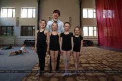 Павлоградские гимнасточки заработали награды и познакомились со спортивной легендой