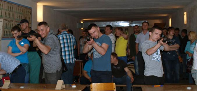 В Павлограде шахтеры состязались в стрельбе из пневматического оружия