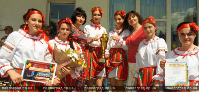 Павлоградские студентки привезли «серебро» фестиваля и музыкальный центр (ФОТО)