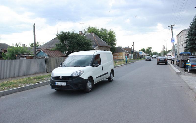 ДнепрОГА капитально ремонтирует дороги на Павлоградщине (ФОТО)