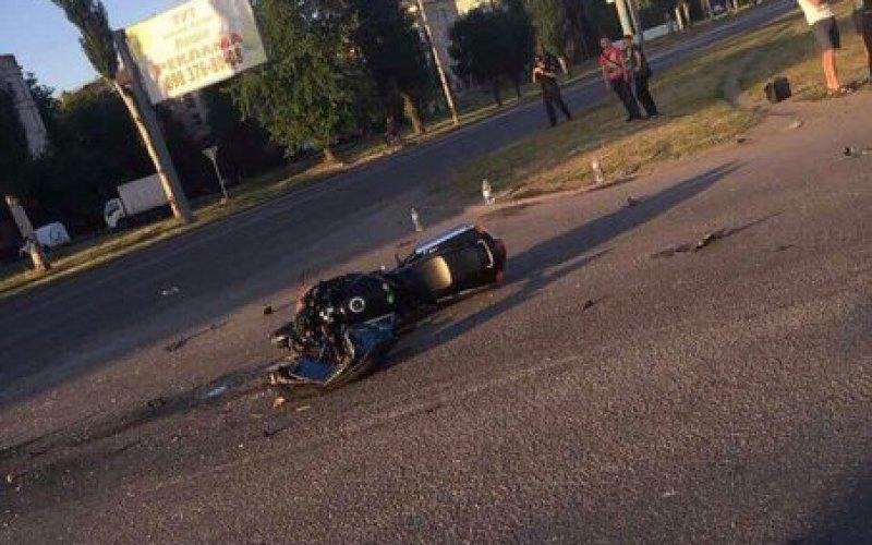 В Павлограде три человека пострадали в страшной аварии (ФОТО и ВИДЕО)