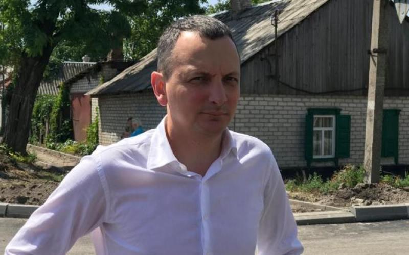 В Павлограде представитель облсовета проверил, как проходят ремонты улицы и моста
