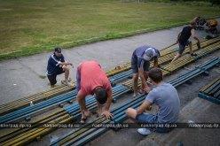 В Павлограде активисты приводят в порядок стадион