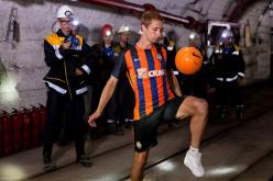 Футболист ФК Шахтер установил рекорд по набиванию мяча в павлоградской шахте