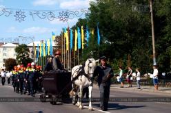 Сотни шахтеров прошли по главной улице Павлограда (ФОТО и ВИДЕО)