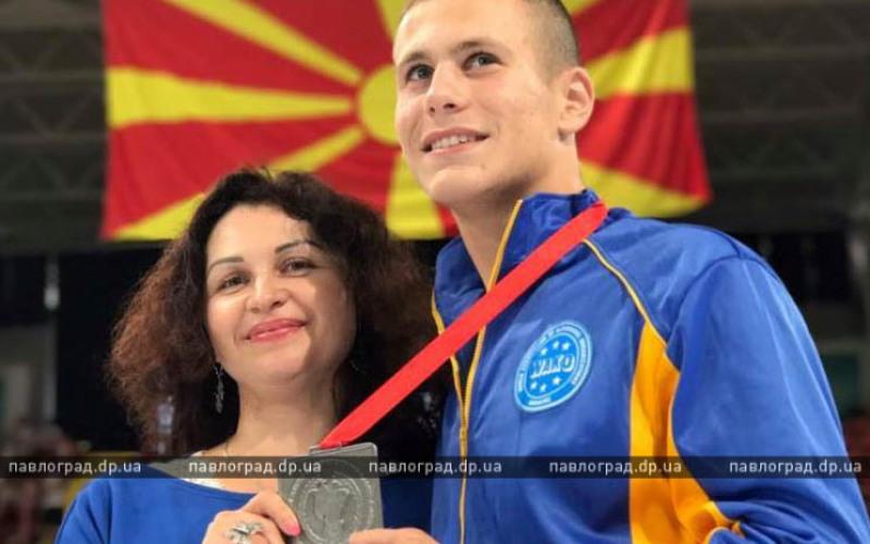 Павлоградец стал серебряным призером Чемпионата Европы по кикбоксингу