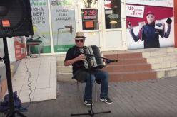 Баянист из Павлограда набрал 2 млн просмотров на Youtube (ВИДЕО)